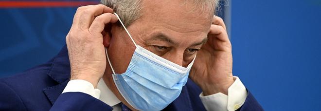Franco Locatelli: «Contagi scesi del 40%. Addio mascherine? Quando avremo più vaccinati»