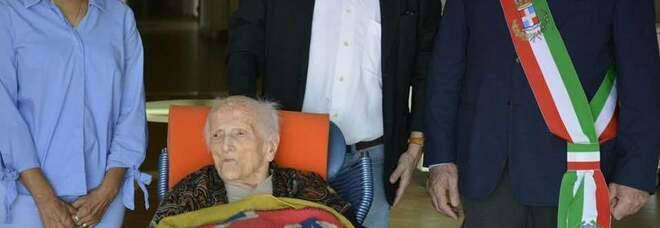 Teresa, 107 anni, la più longeva: «Il segreto? Mai cenare»