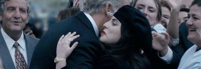 Scandalo sessuale alla Casa Bianca diventa una serie. L'ex-stagista Lewinsky: «Clinton dovrebbe chiedere scusa»