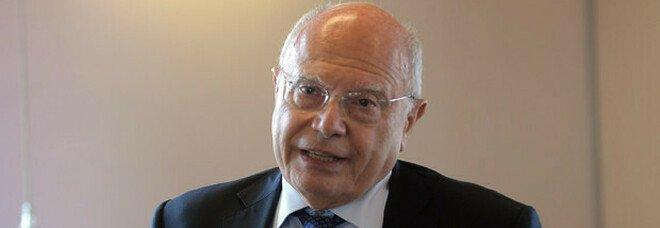 Milano, Massimo Galli lascia l'ospedale Sacco: «Sono i miei ultimi 40 giorni come primario»