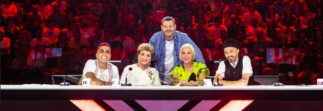 X Factor 2019, la finale: le anticipazioni, gli ospiti e le ultime assegnazioni. Nel pre-show i giudici di Masterchef
