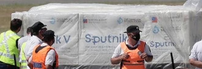 Sputnik, Ungheria ne acquista «grandi quantità». Zampa: no preclusioni se Ema approva