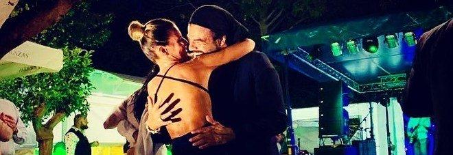 Francesco Renga, la prima foto social ufficiale con la fidanzata Diana Poloni