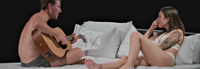 """Torna su Discovery + """"Undressed"""", l'esperimento tv italiano di grande successo all'estero"""
