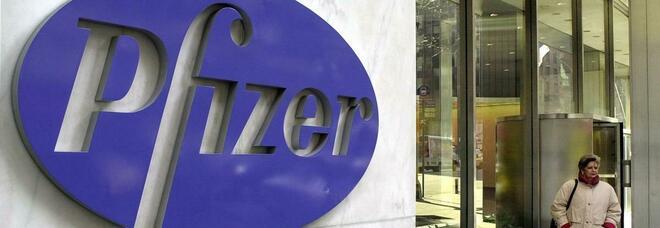 Vaccino Covid, la Pfizer annuncia: «Tra un mese chiederemo l'autorizzazione»