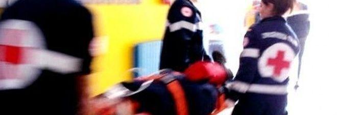 Bimba investita e uccisa dallo scuolabus: tragedia in Campania, aveva solo 3 anni