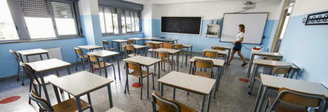 Scuola, i presidi aprono alla soluzione francese: «Quarantena in Dad per gli studenti non vaccinati»