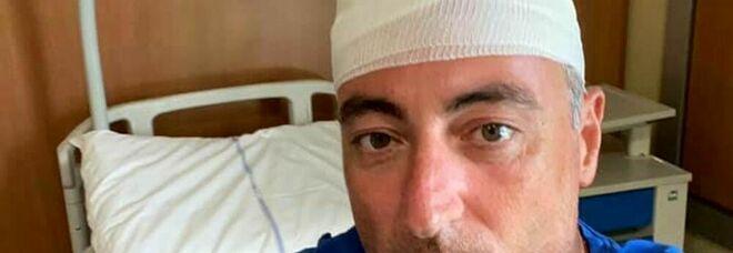 Incidente per Gallera: batte la testa e rimedia 30 punti di sutura. Ecco cosa è successo