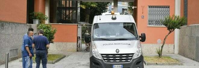Milano, uccide il fratello a coltellate davanti alla madre: ai domiciliari, niente carcere: «Ho dovuto difendermi»
