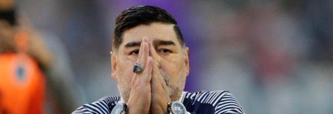 Maradona, il cordoglio dei vip. Paolo Sorrentino: «Non è morto. È solo andato a giocare in trasferta». Da Conte a Zingaretti, il ricordo della politica