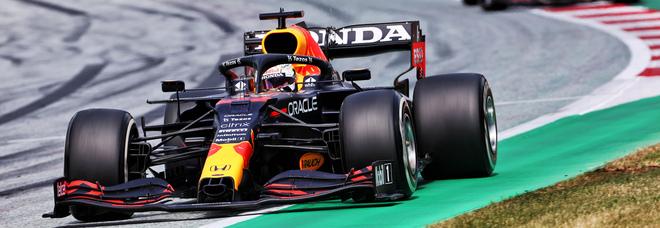 Live F1, GP Stiria: Verstappen vince su Hamilton, Ferrari doppiata con Sainz 6° e Leclerc 7°