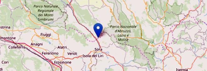 Terremoto a L'Aquila: forte scossa avvertita anche a Roma e a Napoli. «Gente in strada nella Marsica»