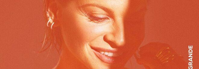 """""""Piuma"""" e """"Sorriso Grande"""", online i video dei nuovi singoli di Alessandra Amoroso"""