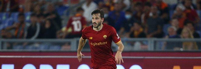 Roma, Viña non si allena: in dubbio per il derby. Contro la Lazio pronto Calafiori