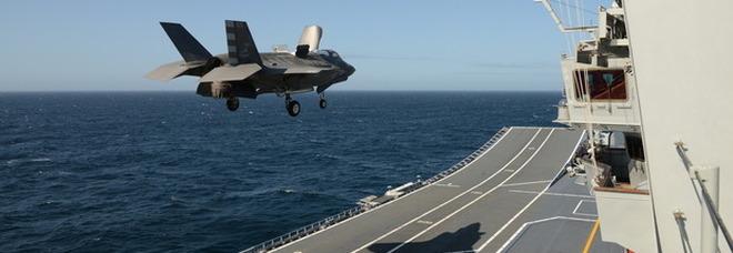 Nave Cavour, la portaerei chiude i test in mare negli Usa: pronta a impiegare gli aerei da combattimento F35B