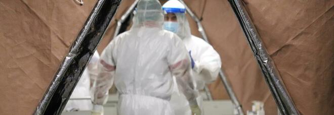 Covid, i dati Iss: Rt a 1,18, tre regioni a rischio. Brusaferro: «Curva dei contagi inizia ad appiattirsi»