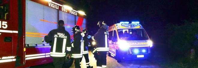L'auto esce di strada, due sedicenni muoiono nel lodigiano: tornavano dal pub con un amico