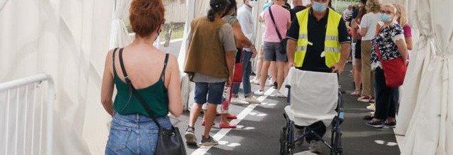 Effetto Green pass, boom prenotazioni per il vaccino in tutta Italia