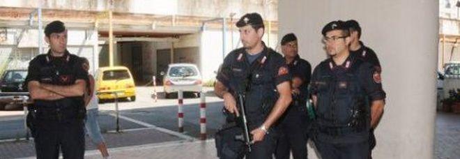 Blitz a Tor Bella Monaca: per proteggere i pusher, venivano utilizzati anche minorenni come vedette