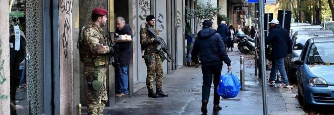 Milano ecco i primi militari presidi anche in centro e for Mercatini oggi milano