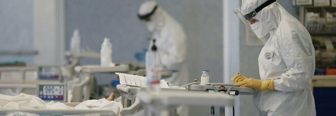 Bambina nasce con l'intestino al posto del polmone, operata con successo a Torino