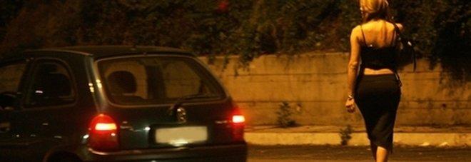 Fermato con una prostituta, dà nome e cognome di suo fratello: multato di 10mila euro