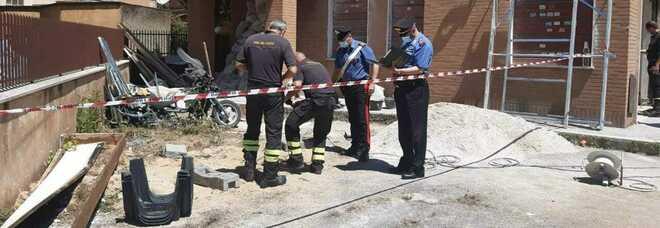 Roma, bambino di tre anni cade in un pozzetto: salvato dai vigili del fuoco dopo un'ora