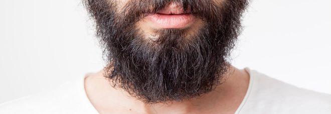 Coronavirus, l'esperto: «La barba troppo lunga ostacola la mascherina e potrebbe essere fonte di contagio»