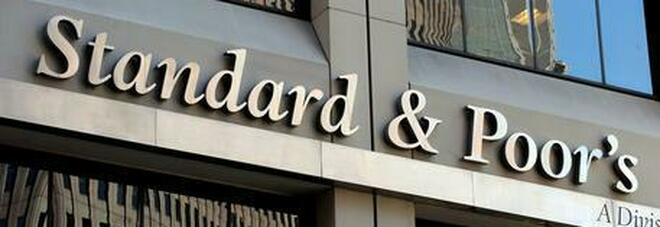 S&P conferma il rating dell'Italia a BBB: «Outlook stabile»