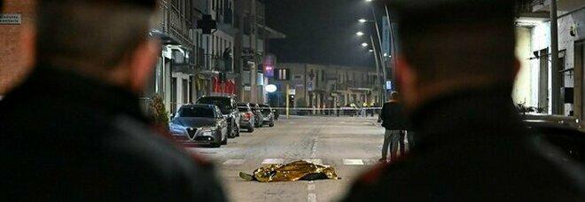 Cuneo, rapina in gioielleria finita nel sangue: il titolare spara e uccide due banditi