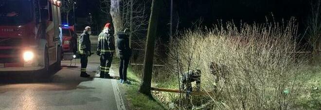 Treviso, ragazza di 26 anni accoltellata da un 17enne in bici: otto fendenti al corpo, è grave. Preso l'aggressore