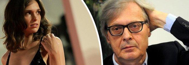 Vittorio Sgarbi a Venezia senza mascherina, l'attrice Sara Serraiocco lo allontana: «Un mio parente è stato male» - Video