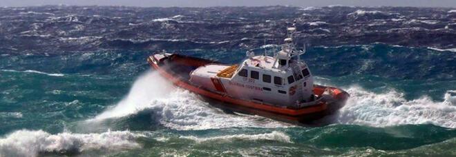 Militare annega dopo aver salvato due ragazzi: il corpo ritrovato in mare a Milazzo