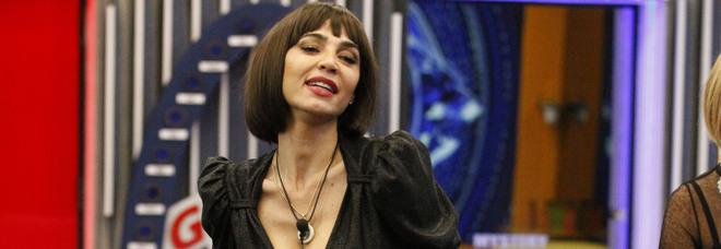 Grande Fratello Vip, croonaca 18 gennaio: Cecilia Capriotti eliminata. Stefania, Dayane, Giulia e Rosalinda verso la finalissima
