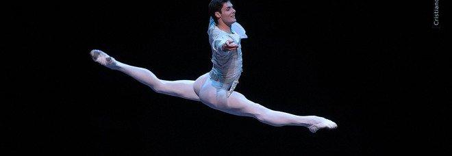 Teatro Arcimboldi, il ballerino Jacopo Tissi, sulle punte dall'Italia al Bolshoi di Mosca, si racconta in diretta web