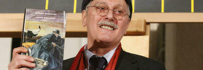 """Morto Antonio Pennacchi, aveva 71 anni: nel 2010 vinse il Premio Strega con """"Canale Mussolini"""""""