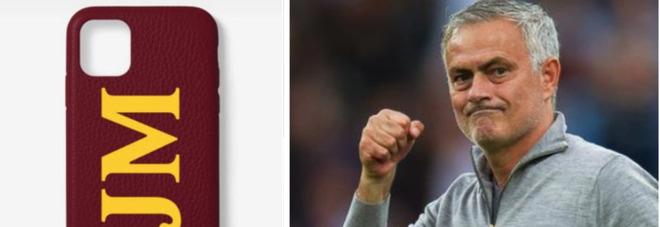 Mourinho scatena i tifosi giallorossi con la nuova cover dello smartphone: «Forza magica Roma»