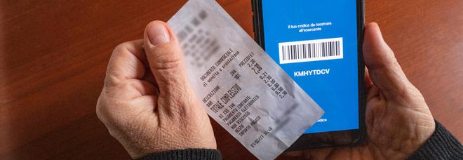 La lotteria degli scontrini parte con il botto, già tre milioni in gioco. La polemica: «Non tutti gli esercenti sono pronti»