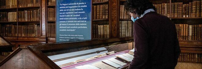 La Milano di Napoleone raccontata alla Braidense attraverso scritti, libri e ritratti. E il manoscritto del 5 maggio di Alessandro Manzoni