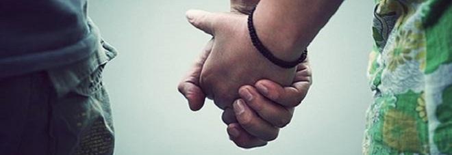 Amore geloso e violento tra gli adolescenti: sempre più diffuso tra lui e lei