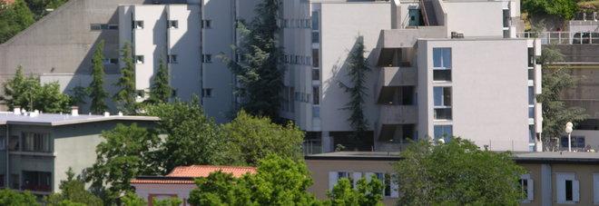 Tragedia alla Casa dello Studente: una 21enne trovata morta nel letto