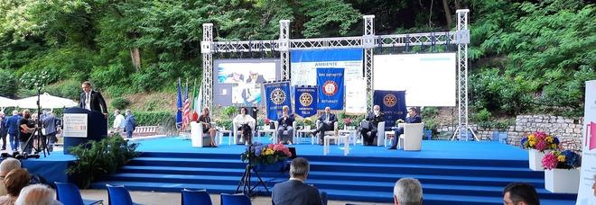 """Rotary a Fiuggi. Ambiente, pace e next generation i passaggi chiave nel post-pandemìa. «Non abbiamo un """"pianeta B""""»"""