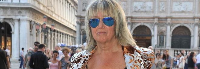 Morta la stilista Fiorella Mancini: l'atelier in campo Santo Stefano e i suoi capi amati da Elton John