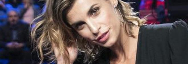 Incendi in Sardegna, Elisabetta Canalis organizza una raccolta fondi: «Mio papà era di lì, ho casa nell'Oristanese»