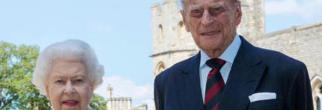 Principe Filippo, spunta il retroscena sulle ultime ore di vita: «Ha deciso la regina Elisabetta...»