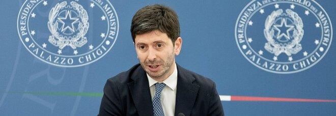 Covid, Speranza: «Scaricati milioni di green pass, il 58% degli italiani ha ricevuto la seconda dose»