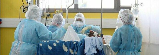 Varianti Covid, focolaio in ospedale: dieci contagiati in reparto, tutti sintomatici