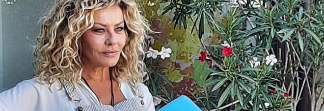 Eva Grimaldi a Verissimo: «Stavo morendo per un'infezione, ho vissuto senza seno». Silvia Toffanin incredula