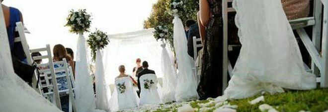 Covid, nuove regole per matrimoni e cerimonie dopo il 26 aprile: cosa cambia