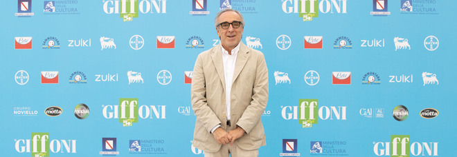 Silvio Orlando: «The Young Pope è stata una gioia, ma ora con Sharon Stone sogno di fare un film erotico»